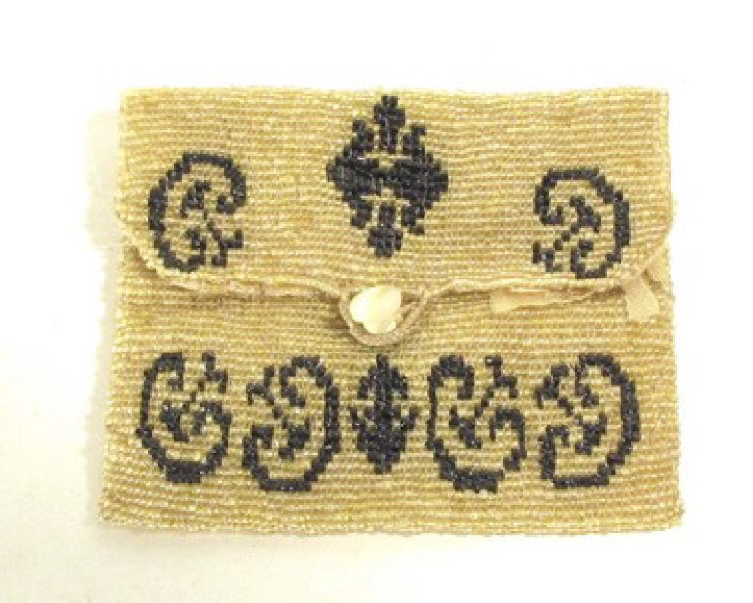 VINTAGE SMALL BEADED COIN PURSE