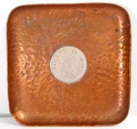VINTAGE HAND HAMMERED COPPER COIN TRAY W/ COIN