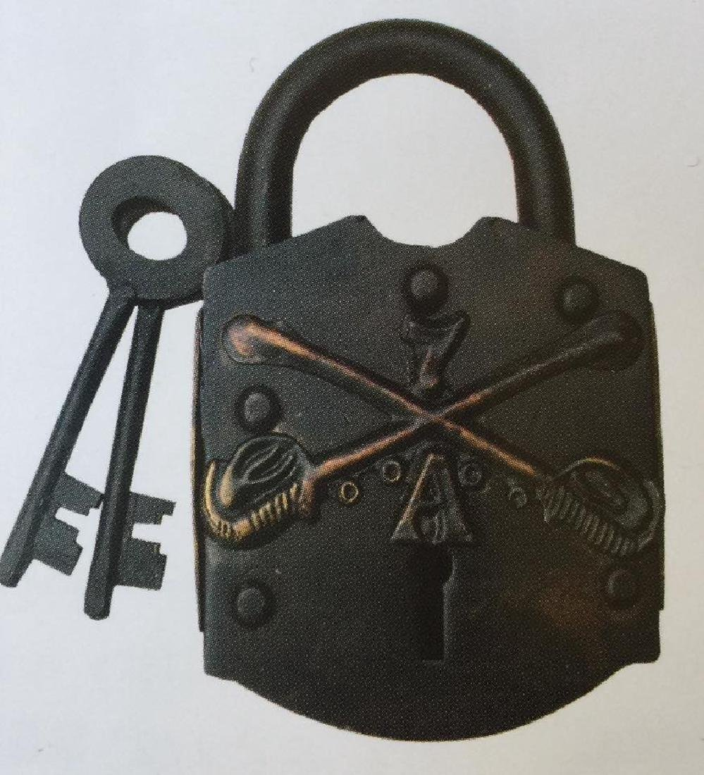7TH CAVALRY BRASS AND STEEL AMMO BOX PADLOCK W/ KEYS