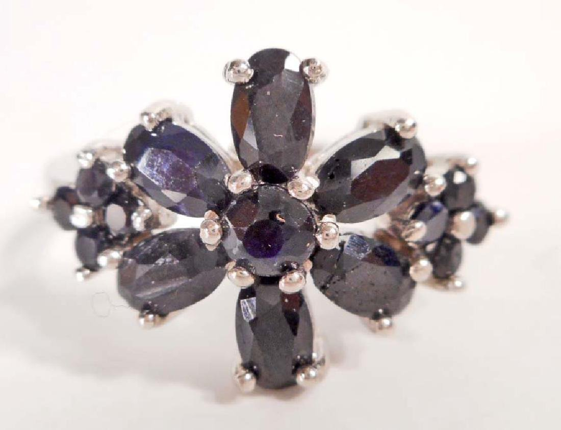 STERLING SILVER SAPPHIRE RING - SIZE 7