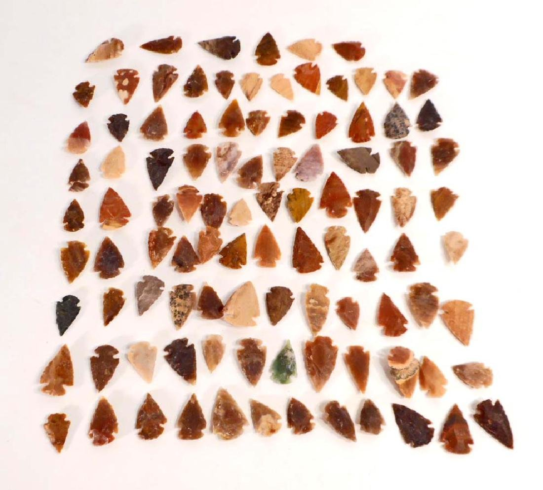 "HUGE LOT OF 100 AGATE ARROWHEADS - .5"" TO 1.5"""