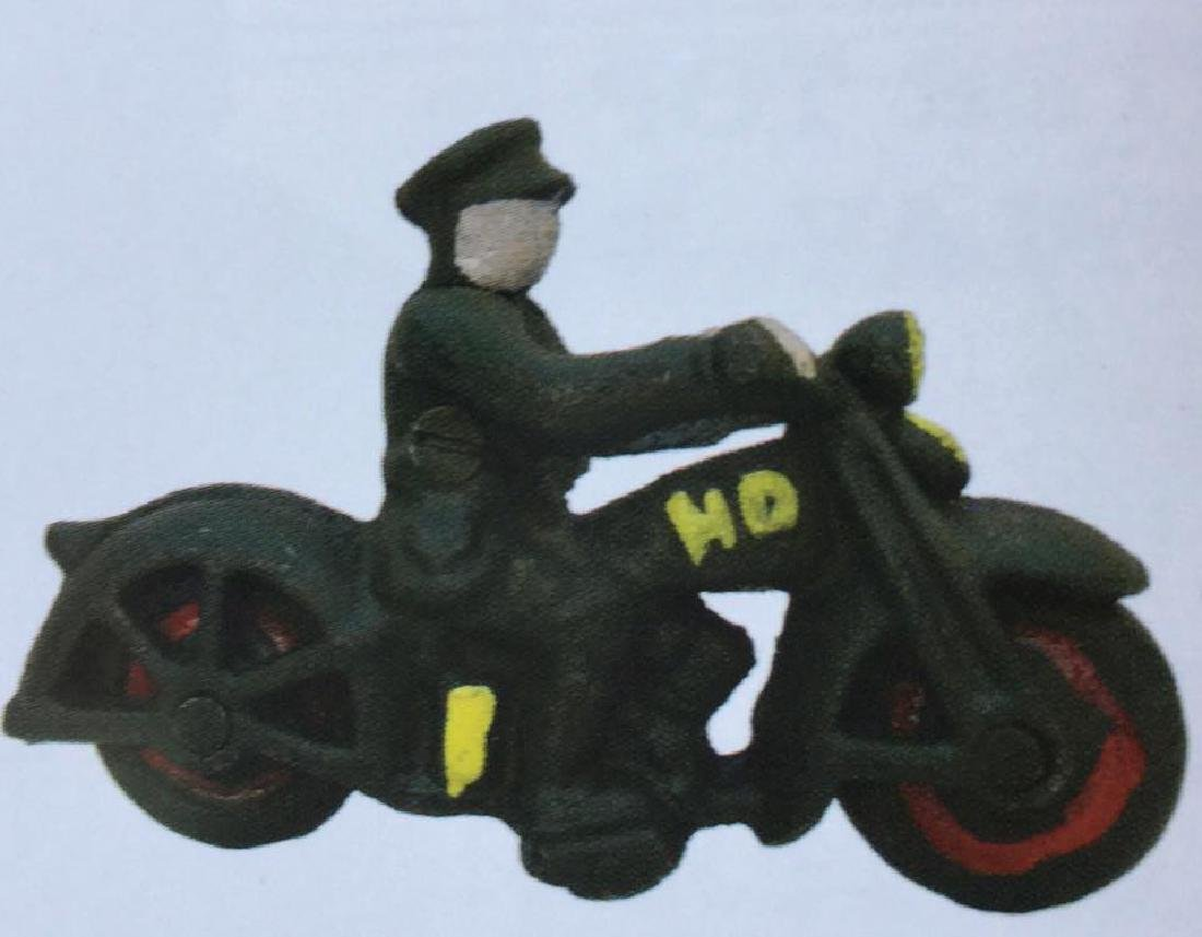 "MOTORCYCLE W/ RIDER CAST IRON TOY - 4"" LONG"