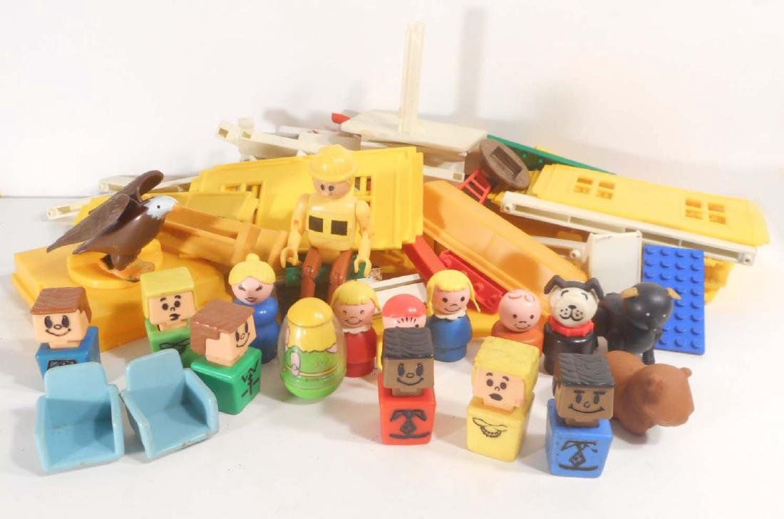 LOT OF VINTAGE TOYS - INCL. FISHER PRICE PEOPLE