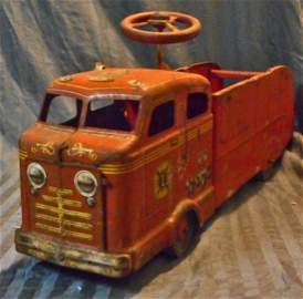 ANTIQUE METAL RIDE ON FIRE TRUCK