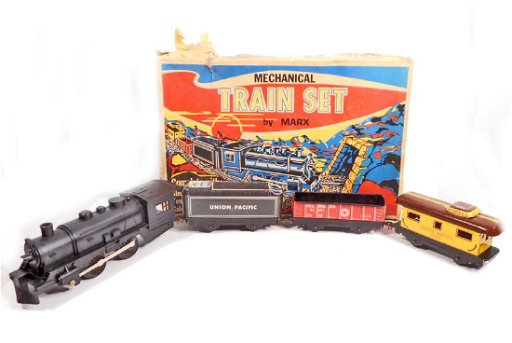 VINTAGE MARX MECHANICAL TRAIN SET IN ORIGINAL BOX