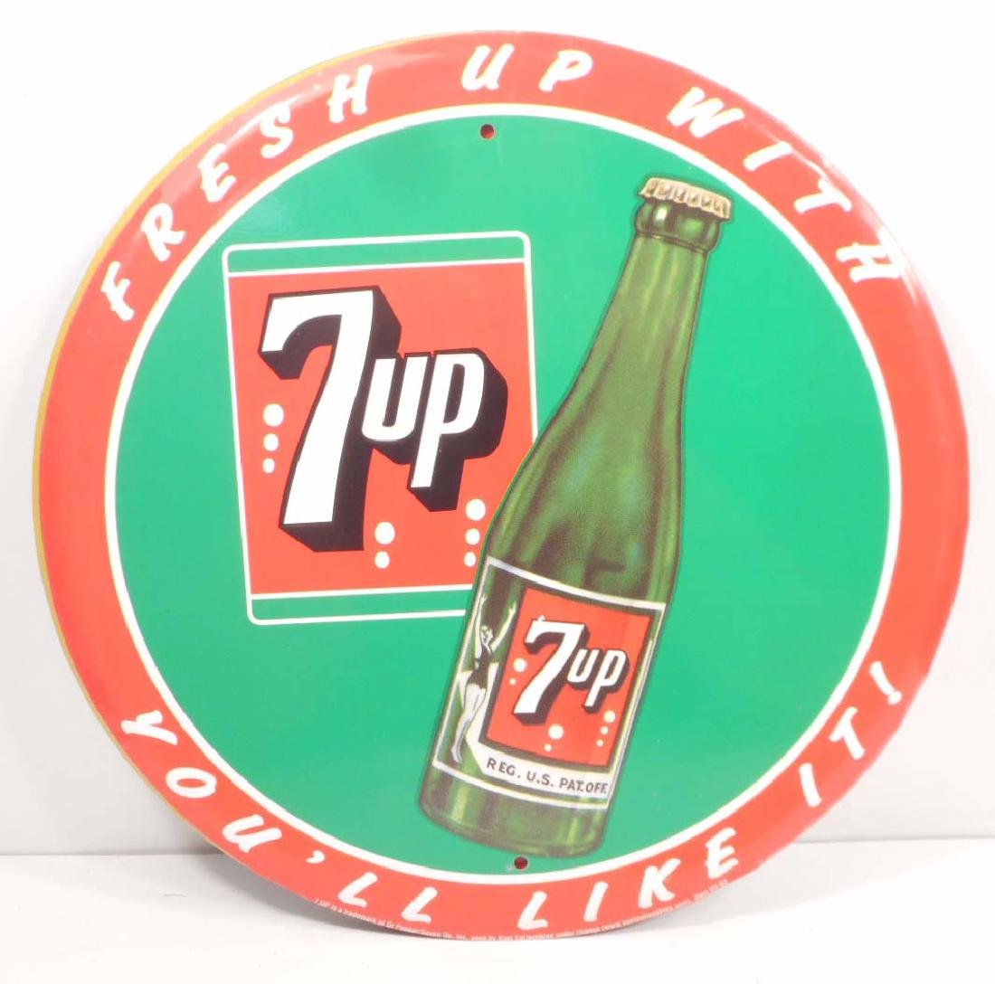 7UP ROUND METAL ADVERTISING SIGN