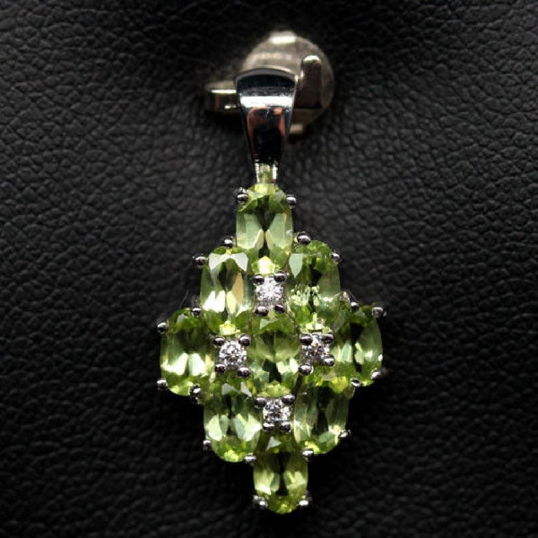 ADORABLE! REAL! GREEN PERIDOT & WHITE CZ STERLING 925