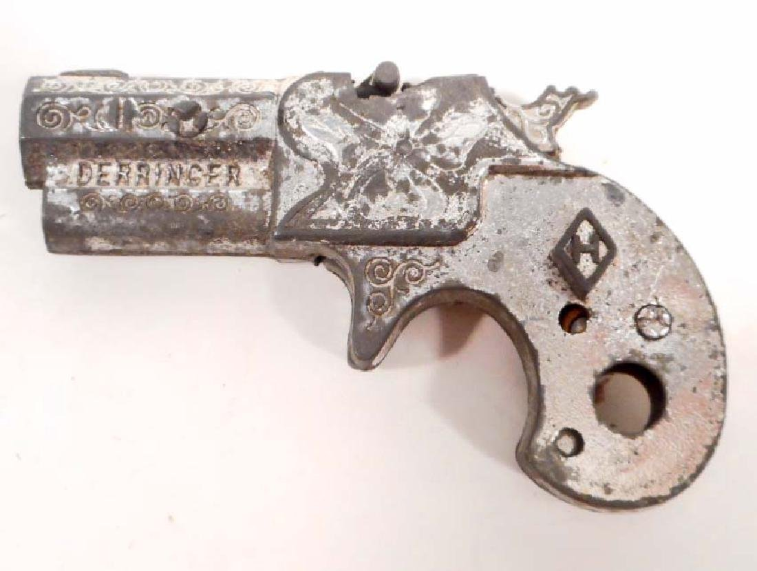 VINTAGE DERRINGER TOY CAP GUN