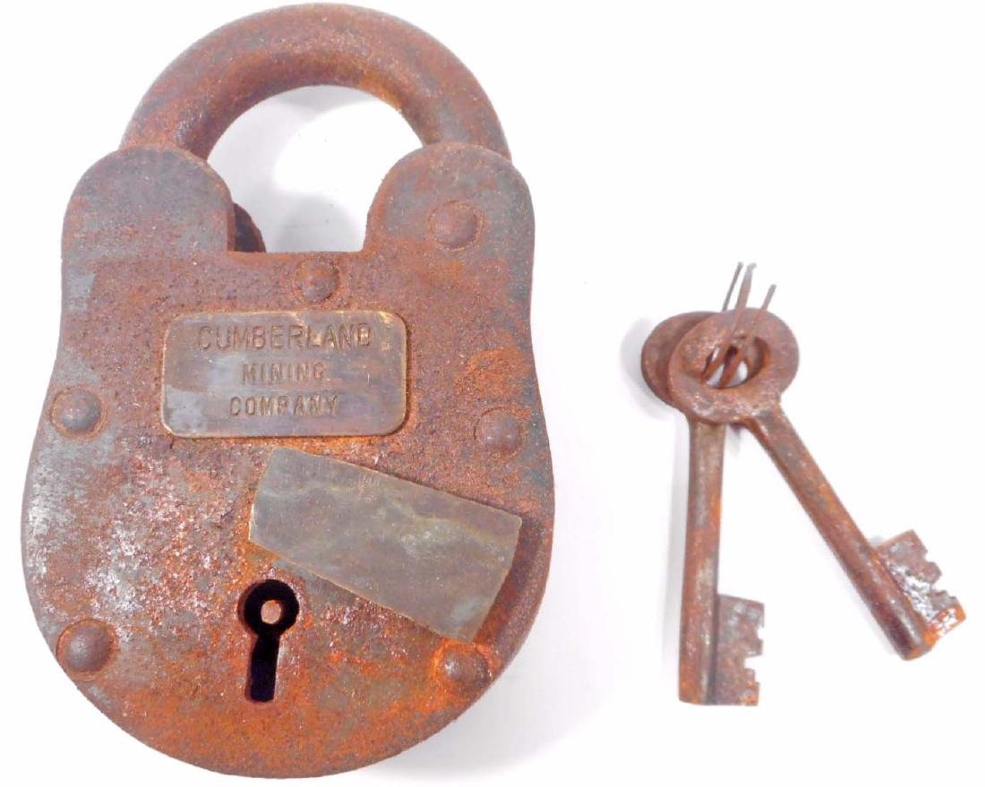 LARGE CUMBERLAND MINE CAST IRON PADLOCK W/ KEYS