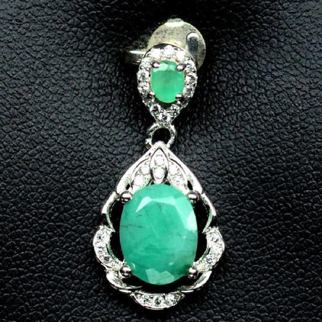 DELIGHTFUL! NATURAL! 7 X 11mm. GREEN EMERALD & WHITE