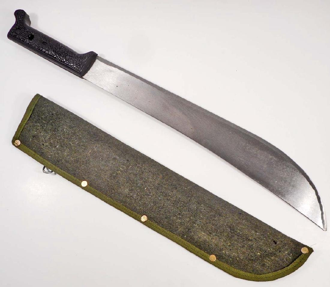 LARGE MACHETE W/ GREEN CANVAS SHEATH
