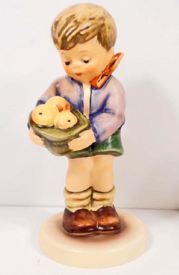 VINTAGE HUMMEL FIGURINE - GIFT FROM A FRIEND