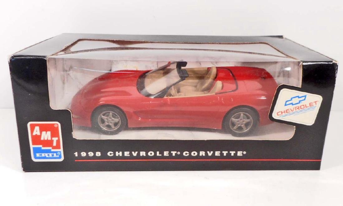 1998 CHEVROLET CORVETTE MODEL TOY CAR MINT IN BOX RED