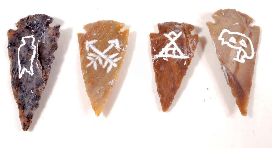 SET OF 4 PICTOGRAPH ARROWHEADS