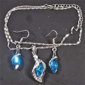 GORGEOUS BLUE CRYSTAL NECKLACE AND EARRINGS JEWELRY SET