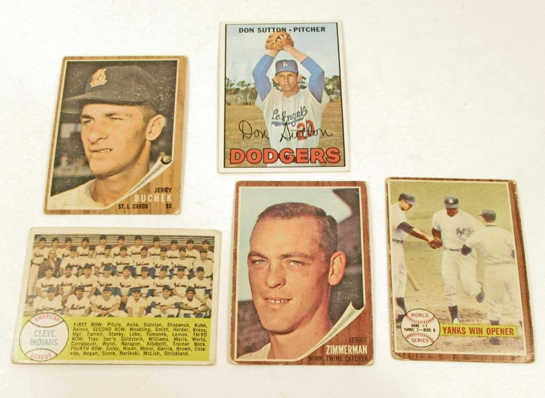LOT OF 5 VINTAGE TOPPS BASEBALL CARDS