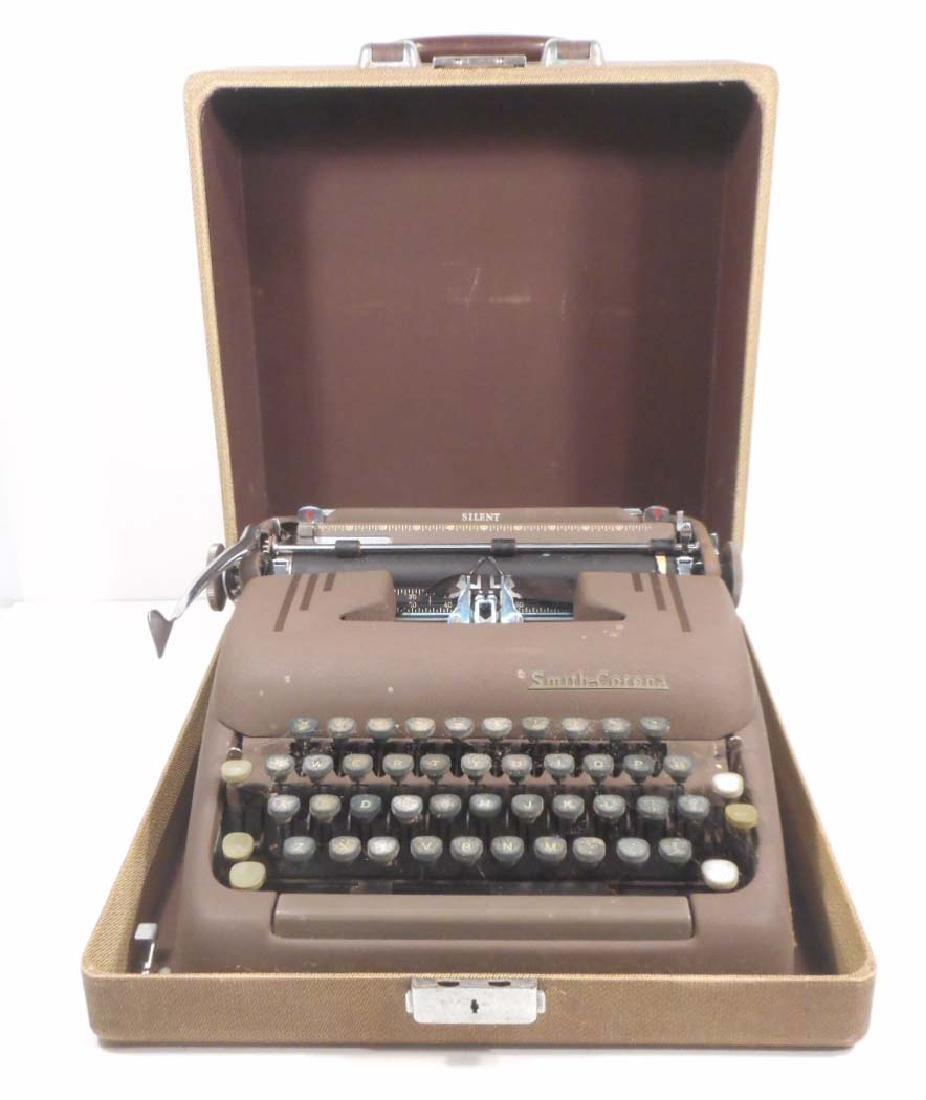 VINTAGE SMITH CORONA SILENT TYPE WRITER W/ ORIGINAL