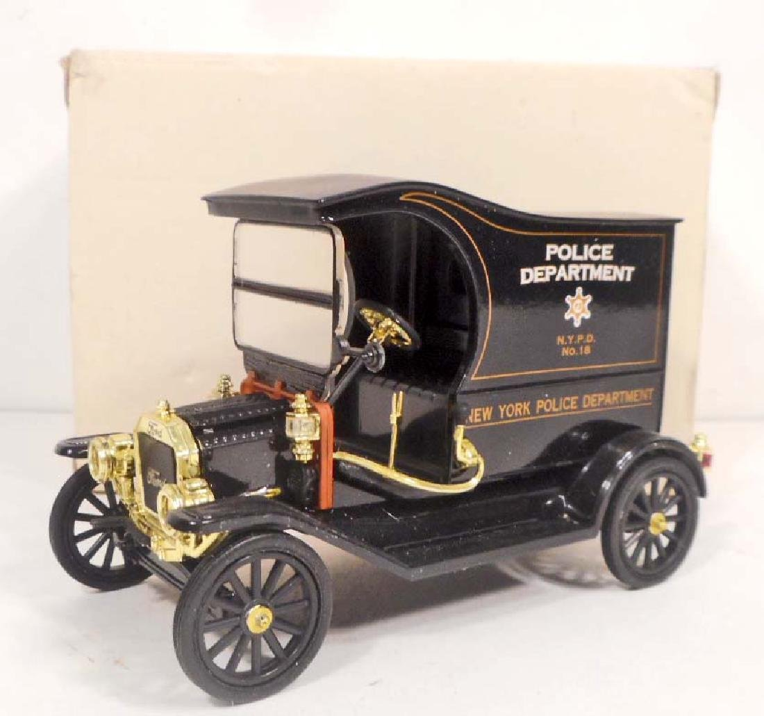 FORD MODEL T POLICE DEPARTMENT DIE CAST COLLECTIBLE CAR