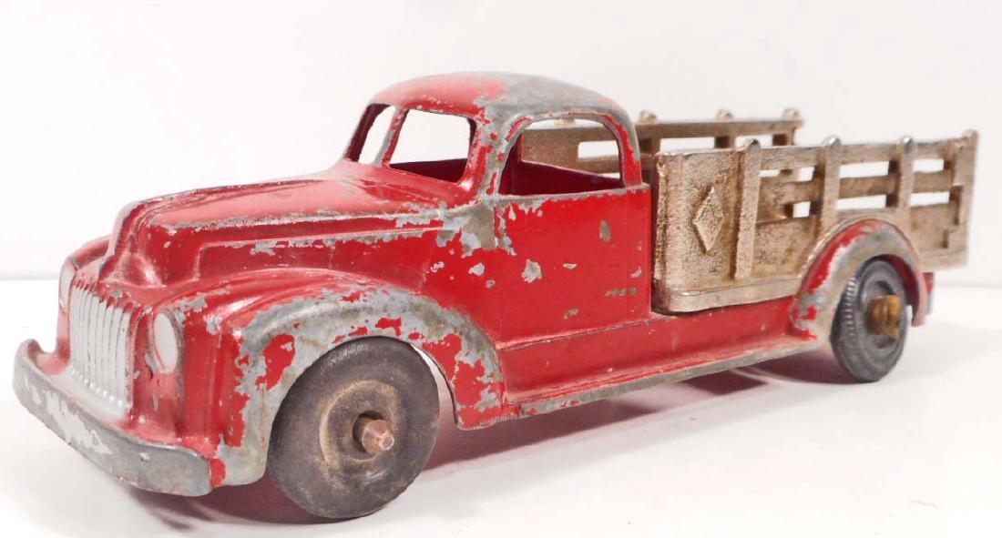 VINTAGE HUBLEY RED DIE CAST TOY TRUCK