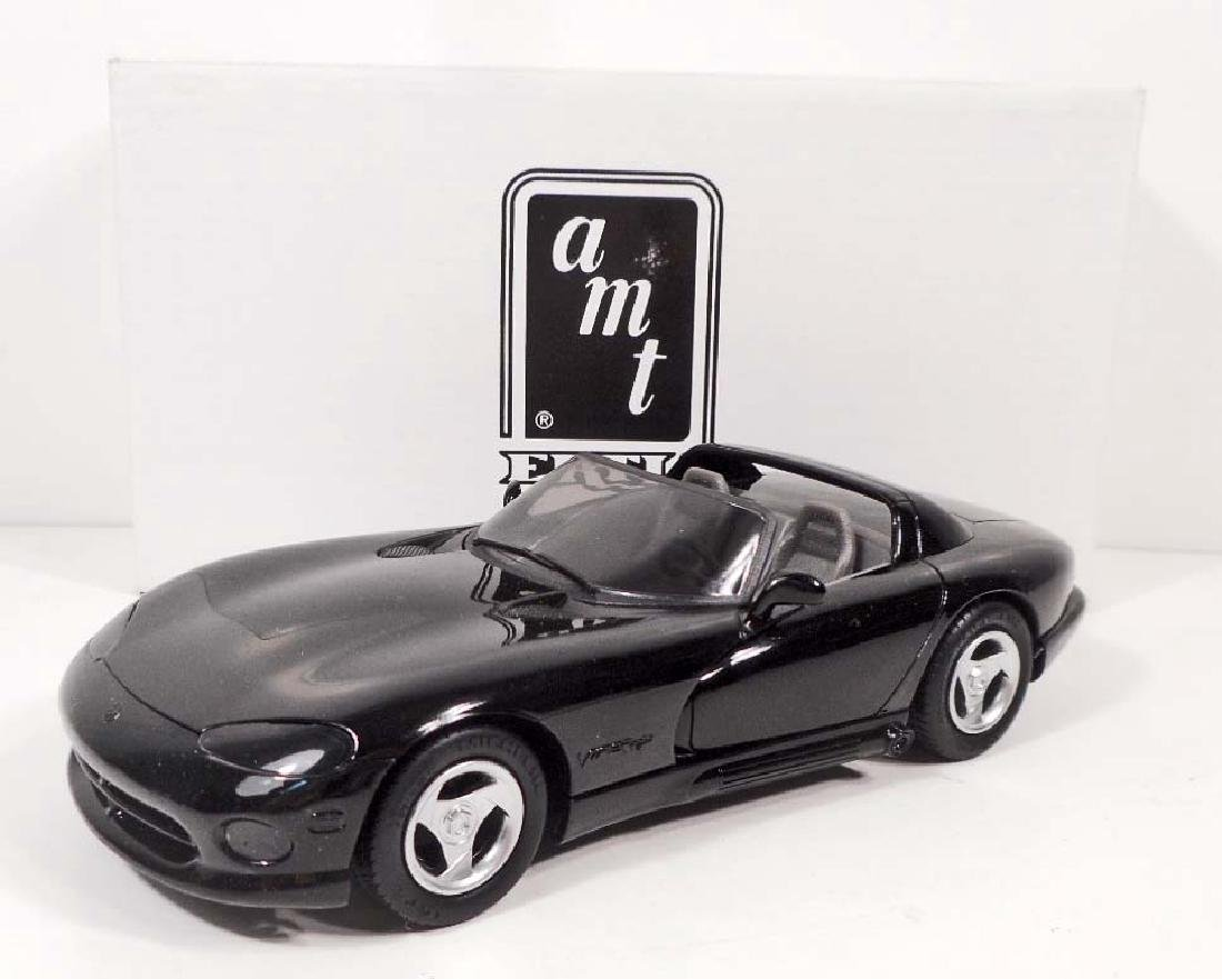 1993 ERTL #6128 DODGE VIPER RT/10 BLACK GRAY INTERIOR