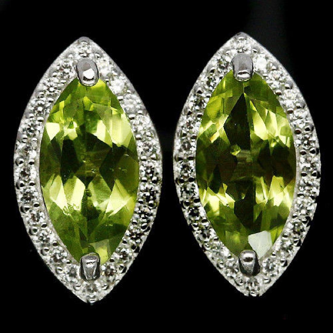 BEAUTIFUL! NATURAL! 5 X 9 mm. GREEN PERIDOT & WHITE