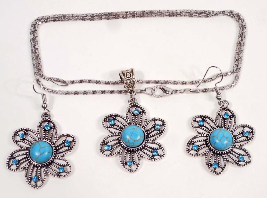 TIBETIAN SILVER BLUE SUNFLOWER NECKLACE & EARRING SET
