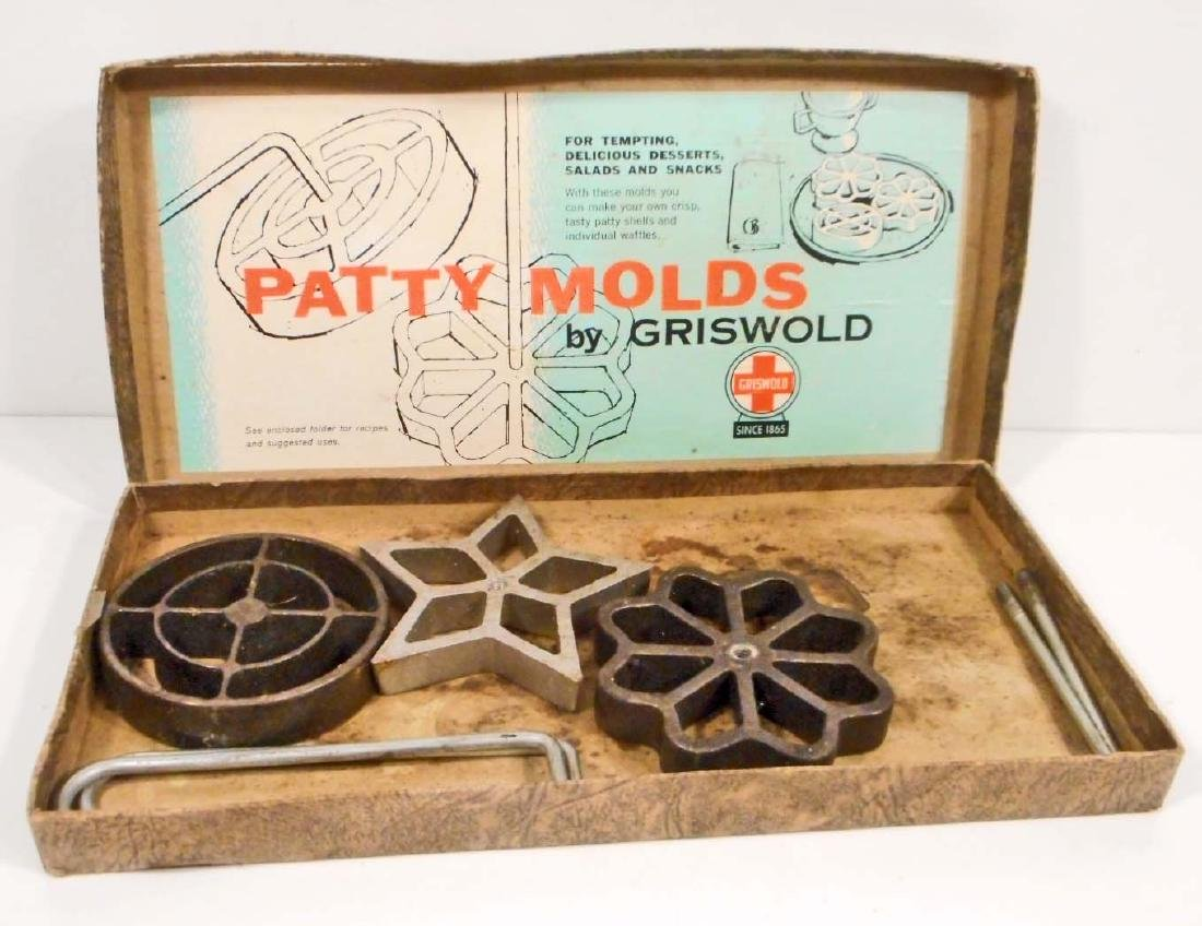 VINTAGE GRISWOLD CAST IRON PATTY MOLDS IN THE ORIGINAL