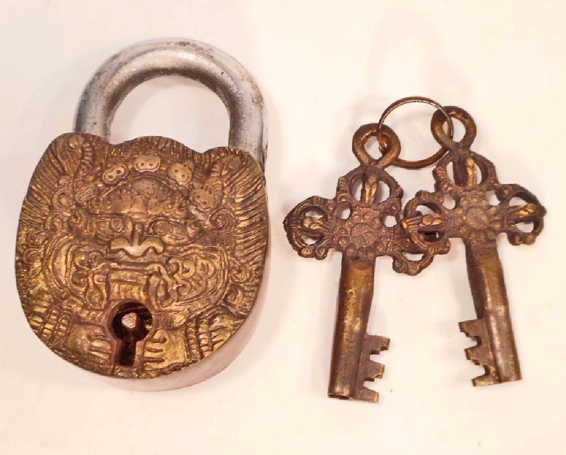 BRASS SNOW LION PADLOCK W/ KEYS