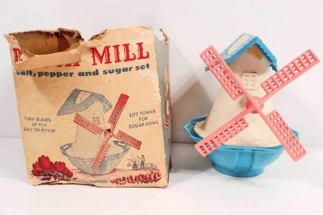 VINTAGE WINDMILL SALT & PEPPER / SUGAR BOWL SET IN