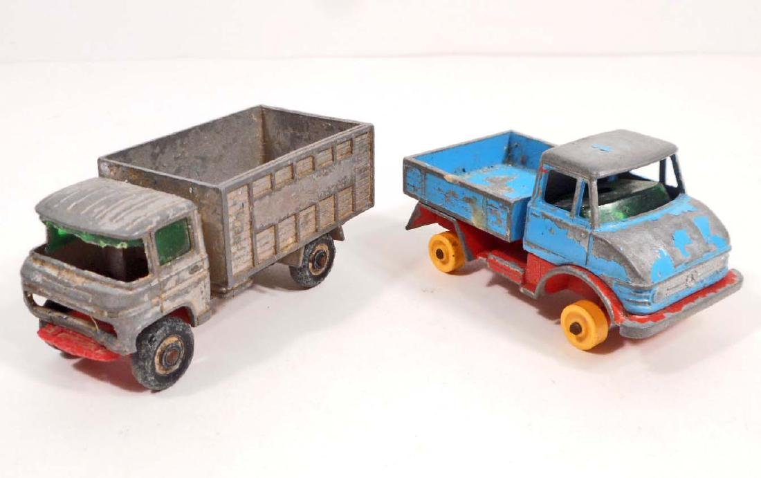 LOT OF 2 VINTAGE MATCHBOX LESNEY TOY DUMP TRUCKS