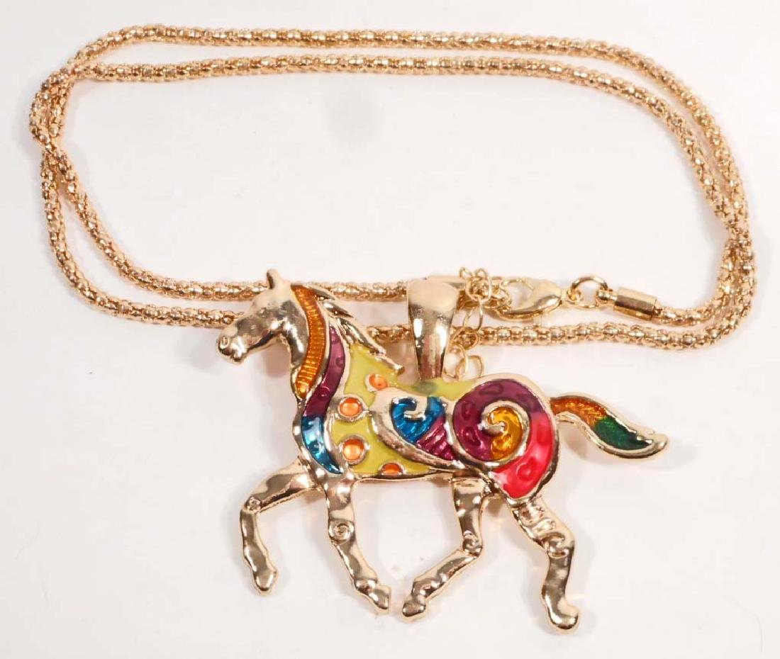 COLORFUL HORSE PENDANT W/ CHAIN