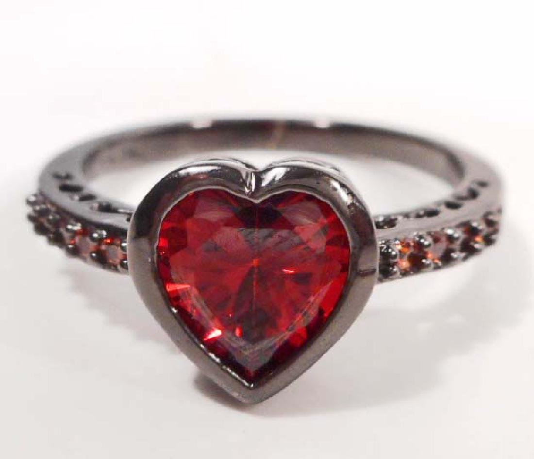 ADORABLE RED GEMSTONE HEART RING - SIZE 8