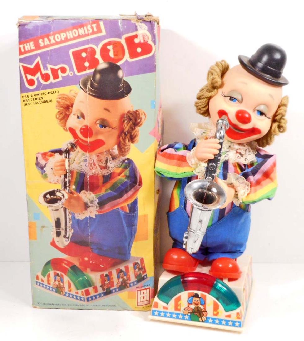 VINTAGE MR. BOB CLOWN SAXIPHONE PLAYER TOY - BATTERY