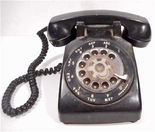 VINTAGE STROMBERG-CARLSON ROTARY DIAL PHONE