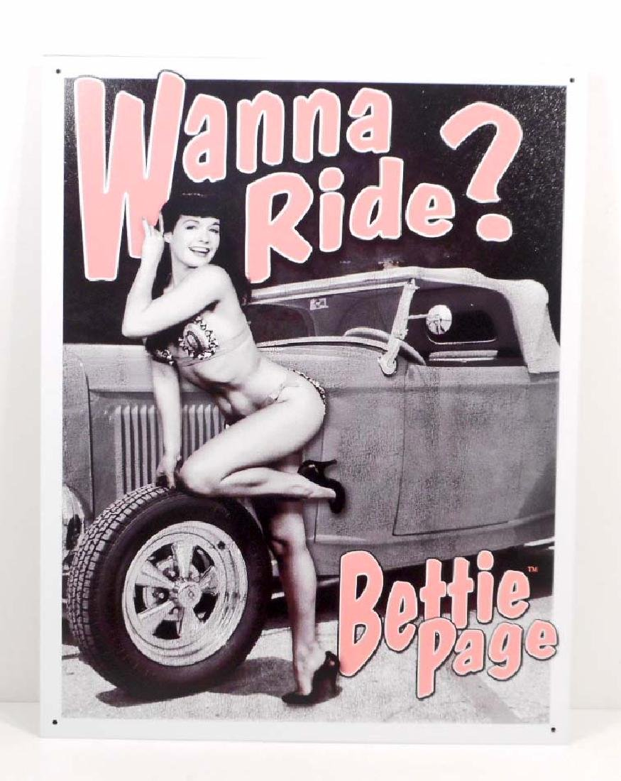 BETTIE PAGE PIN UP GIRL METAL SIGN