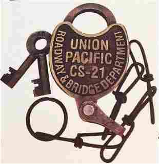 BRASS UNION PACIFIC RAILROAD LOCK W KEYS