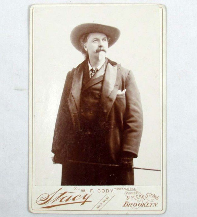 444: ANTIQUE CABINET CARD PHOTO OF BUFFALO BILL BY STAC