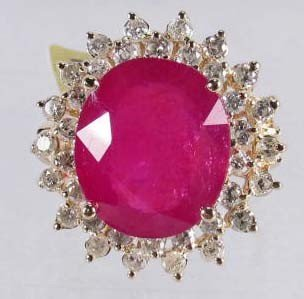 14: 14K GOLD RUBY AND DIAMOND LADIES RING - SIZE 7.25