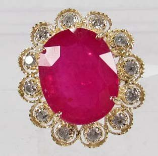 24: 14K GOLD LADIES RUBY AND DIAMOND RING - SIZE 8