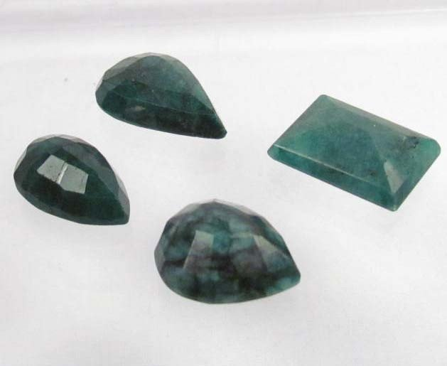 19: LOT OF 86.3 CTS. OF NATURAL EMERALDS