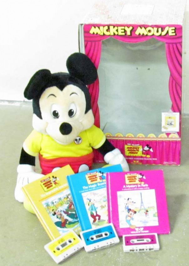 11: VINTAGE MICKEY MOUSE ANIMATED TALKING TOY IN ORIG.