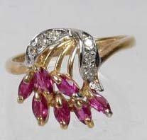 12: 10K GOLD LADIES DIAMOND AND GEMSTONE RING - 2.08 GR