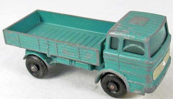 8: MATCHBOX SERIES NO. 1 MERCEDES DIE CAST TOY TRUCK