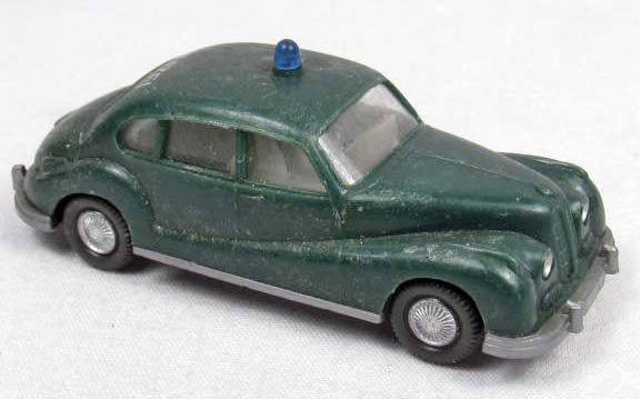 10: WIKING BMW 501 POLIZEI PLASTIC TOY CAR