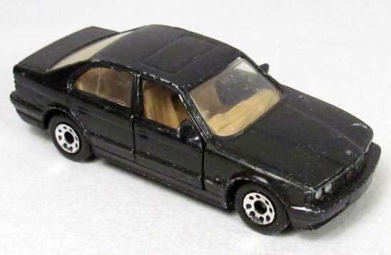 132: MATCHBOX BMW 5 SERIES DIE CAST METAL TOY CAR