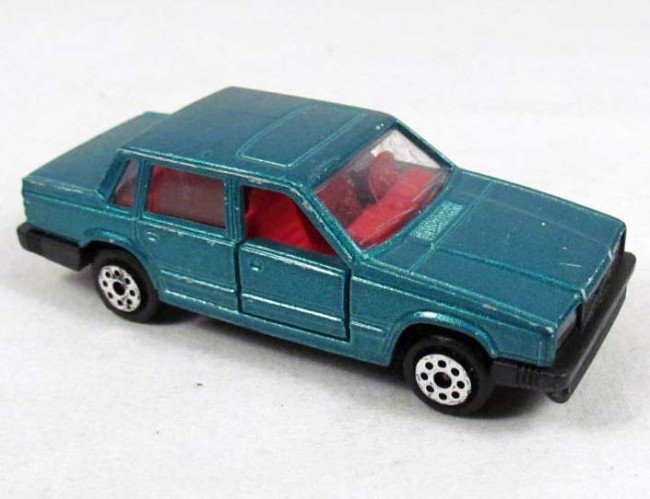 353: MAJORETTE VOLVO 760 GLE DIE CAST TOY CAR