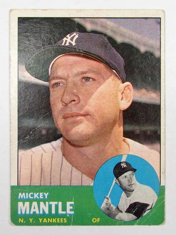 8: 1963 TOPPS MICKEY MANTLE NO. 200 BASEBALL CARD