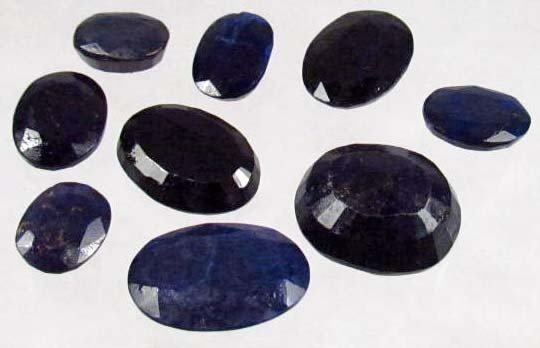 13: 112.6 CTS. NATURAL AFRICAN SAPPHIRES