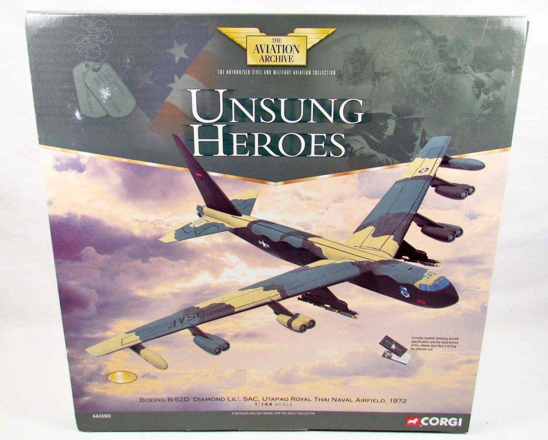 19: CORGI BOEING B-52D DIAMOND LIL DIE CAST MODEL PLANE