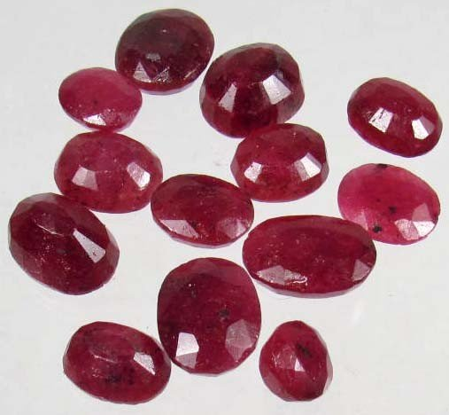 12: 2901 - LOT OF 99.7 CTS. OF NATURAL AFRICAN BLOOD RE